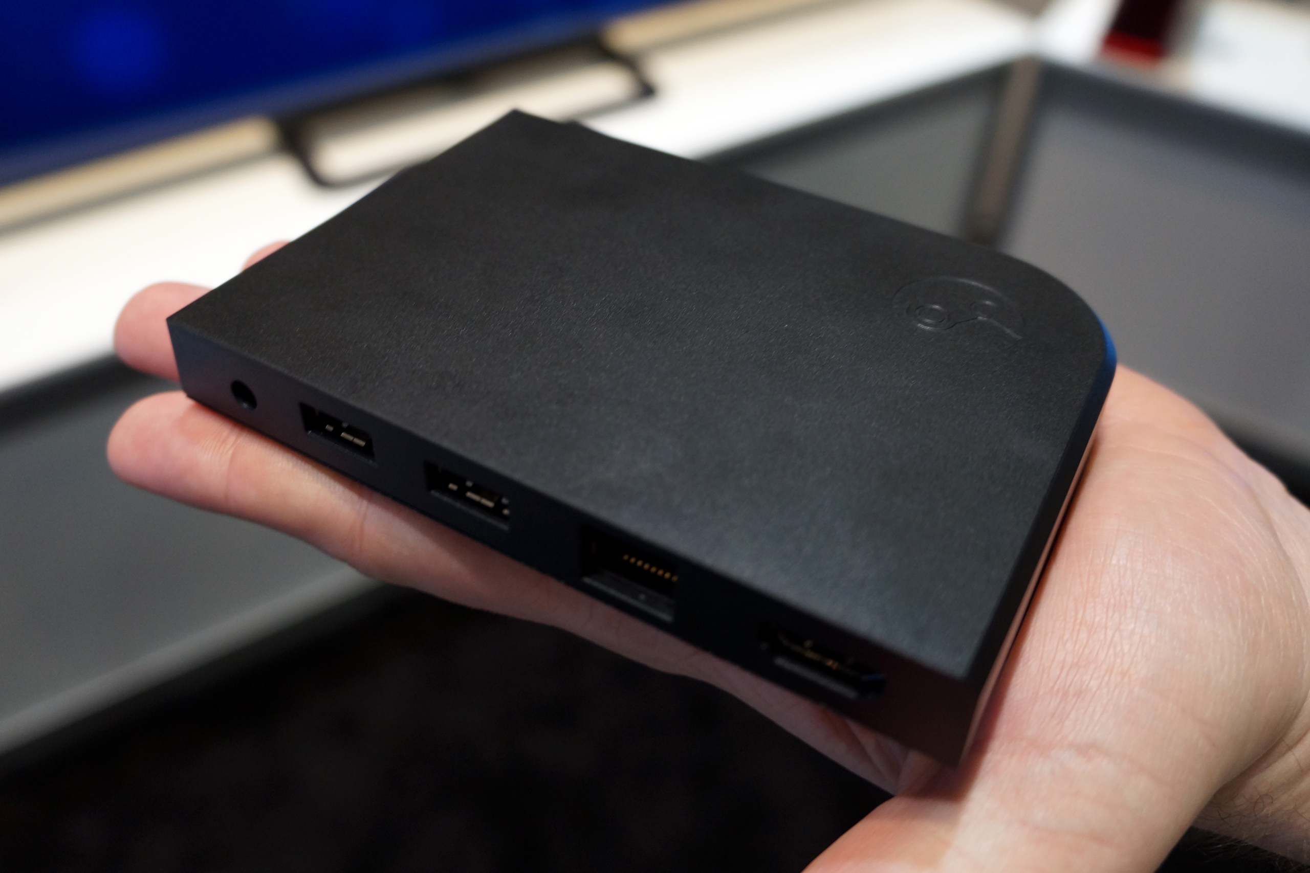 Steam Link Hands On Valves Best Shot At The Living Room Costs 50