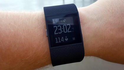 Fitbit Surge as a running Watch on wrist