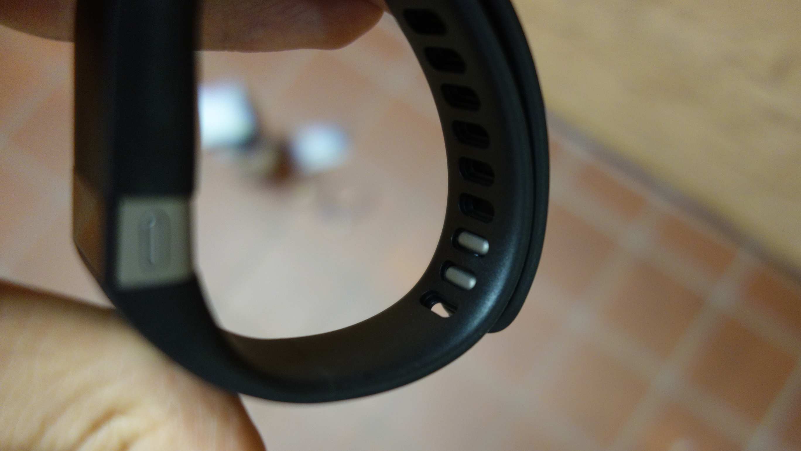 Fitbit Force clasp