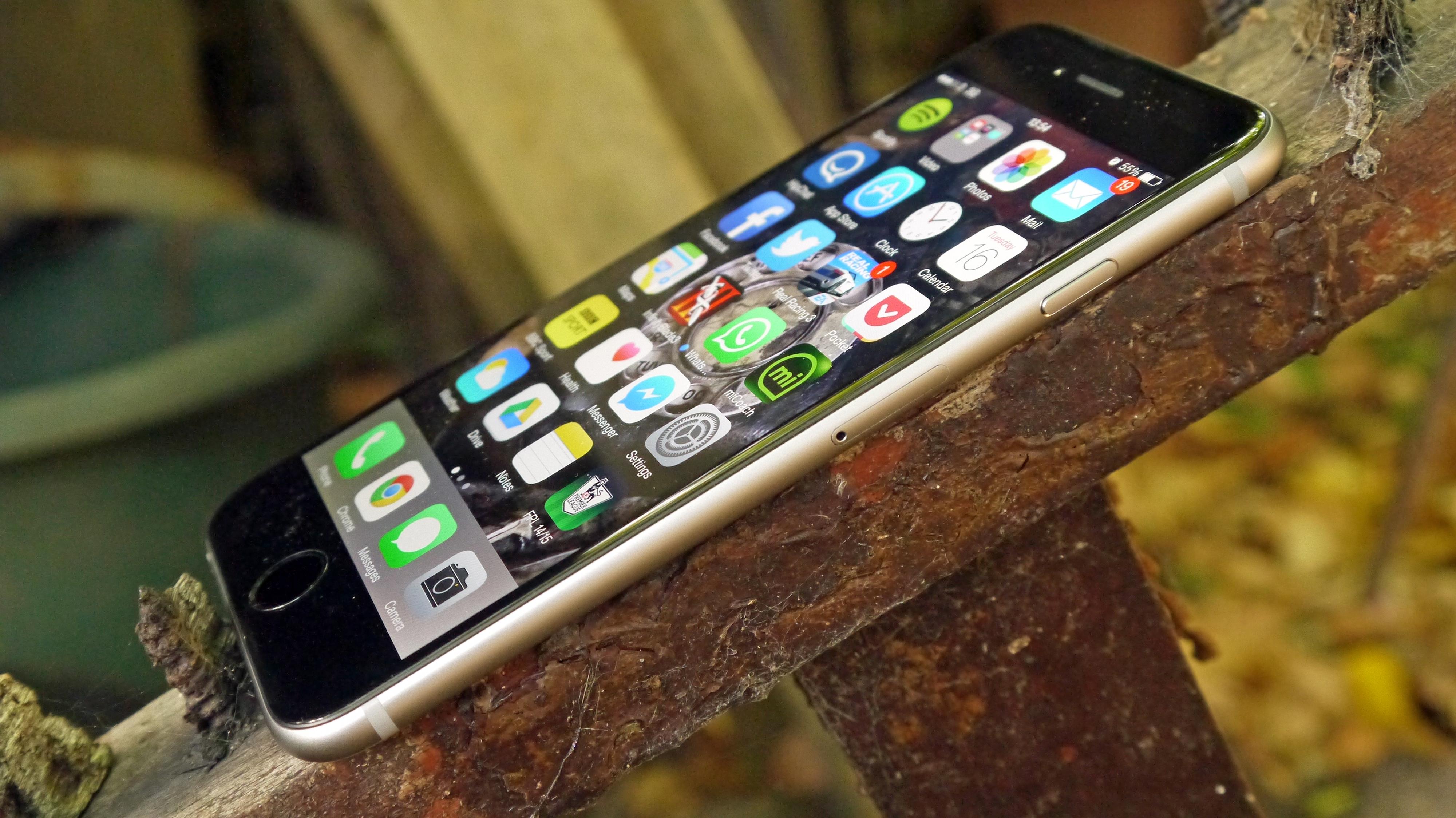 http://www.techradar.com/reviews/phones/mobile-phones/iphone-5s-1179315/review