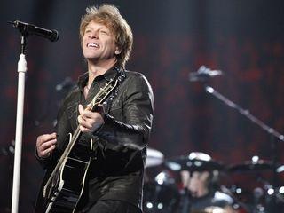 Jon Bon Jovi says an extra hig Hello to New Jersey