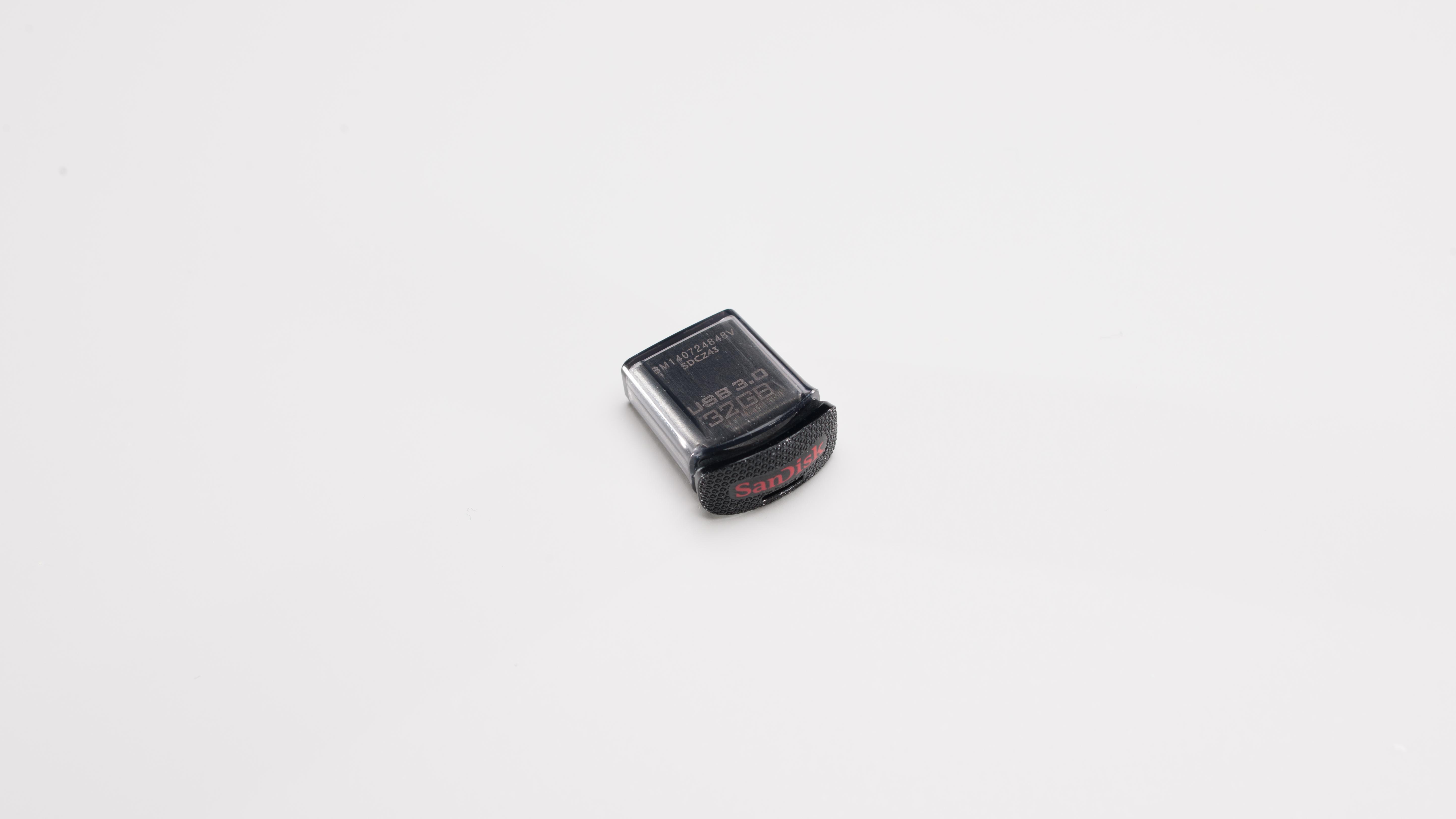 SanDisk Ultra Fit Uncapped