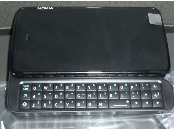 N900: Nokia N97 upgrade snapped for all to see