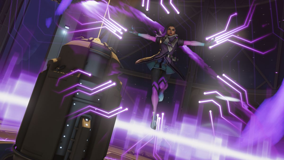 What you can learn about Sombra from Overwatch Apex season 3