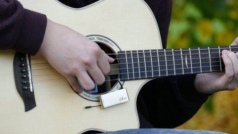 the world 39 s smallest wireless mic could redefine your acoustic guitar sound musicradar. Black Bedroom Furniture Sets. Home Design Ideas