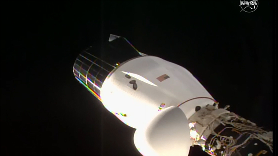 Bad weather on Earth delays SpaceX Dragon's return from space station