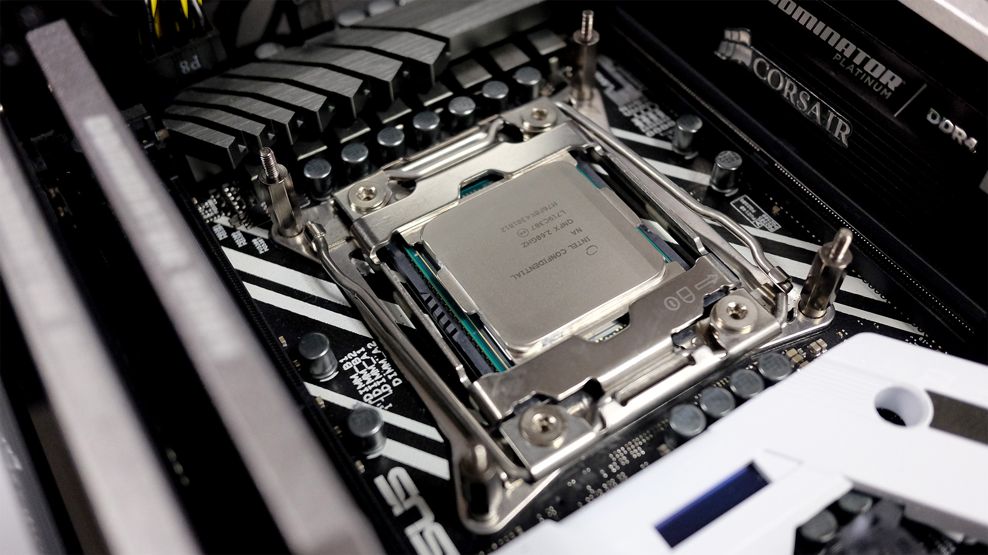 Intel's processors remained as pricey as ever in 2017