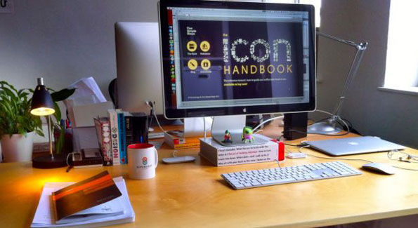 20 Leading Web Designers Desks For Your Inspiration