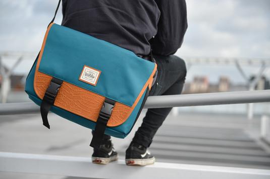 Bags for designers - Artsac messenger