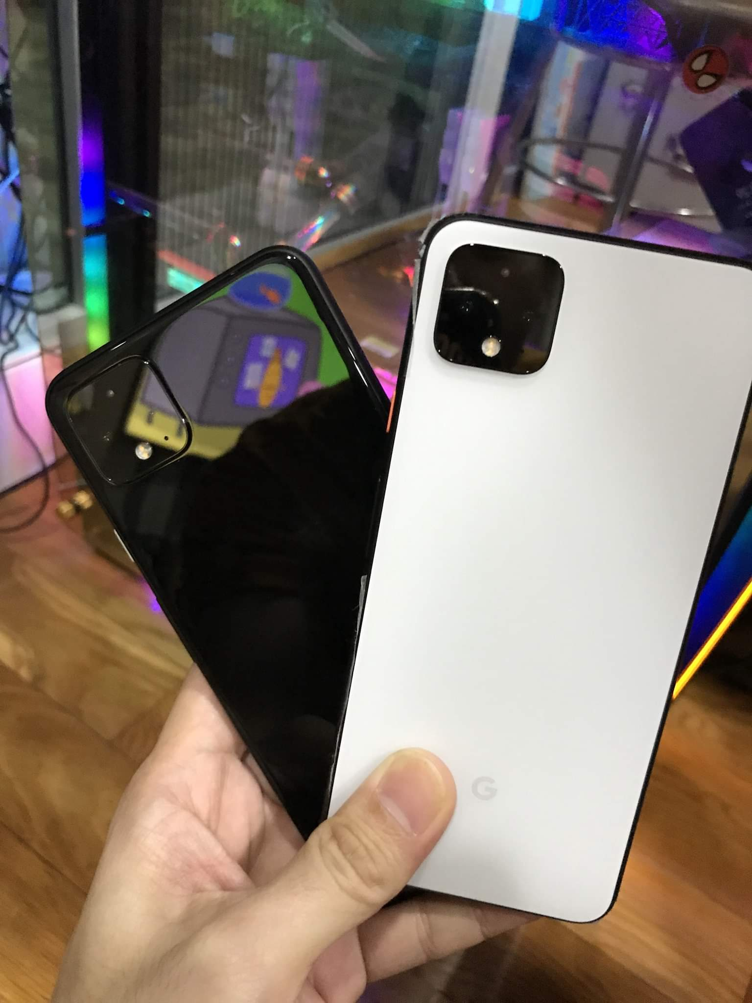 32U5VxCe5sM4KRyQs5ygXi - Latest Pixel 4 leak offers our best look at black and white color variants