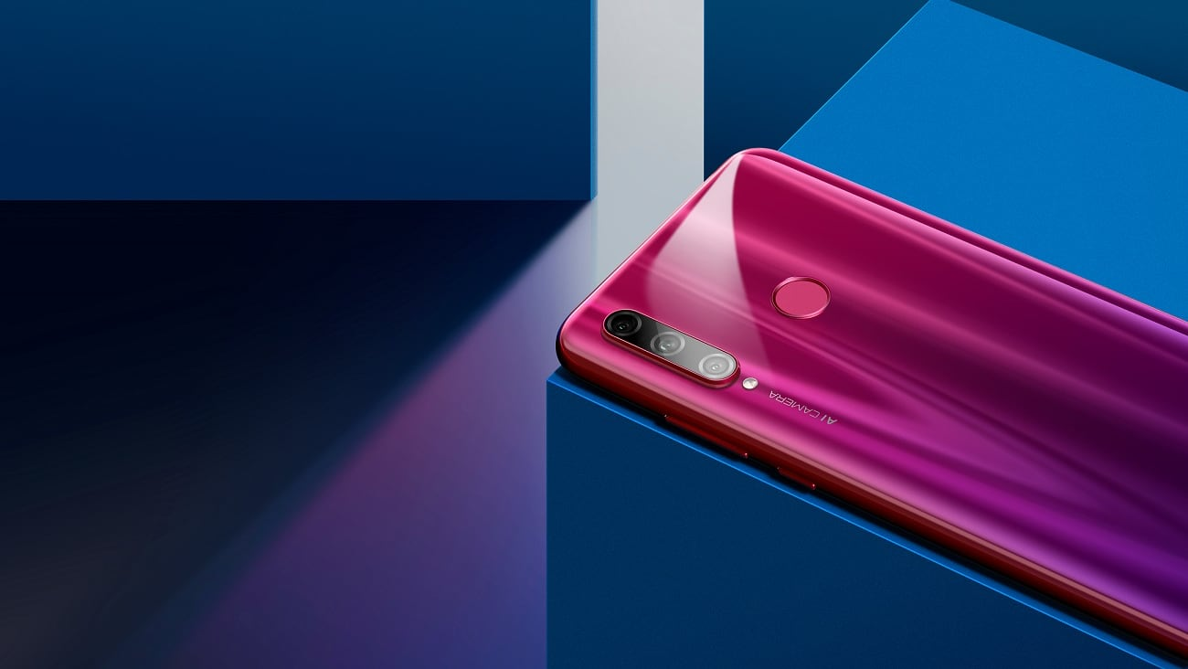 Triple-lens cameras for the masses with Honor 10i