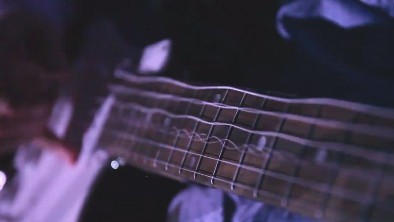 guitar strings in action as you 39 ve never seen them before musicradar. Black Bedroom Furniture Sets. Home Design Ideas