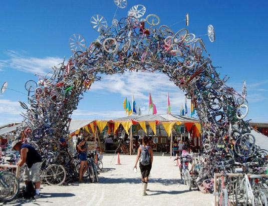 Bike art: Recycling