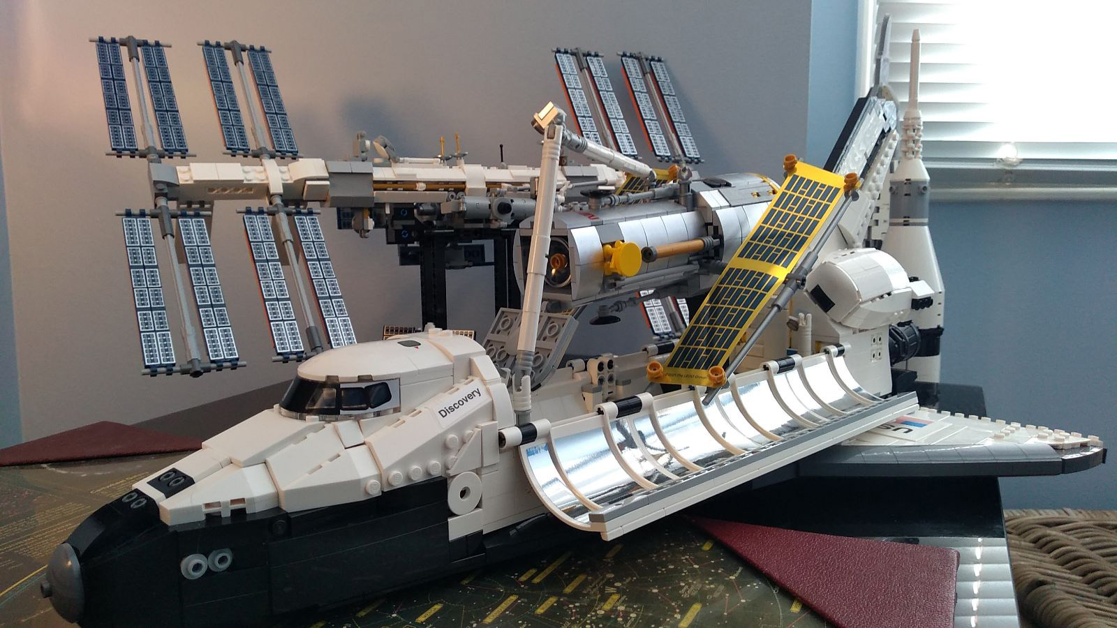 <p>Lego's NASA Space Shuttle Discovery Place with Hubble is a space geek's dream (review) thumbnail