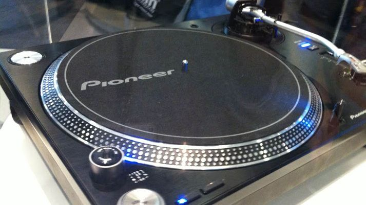 Musikmesse 2014 Pioneer Teases Forthcoming Turntable