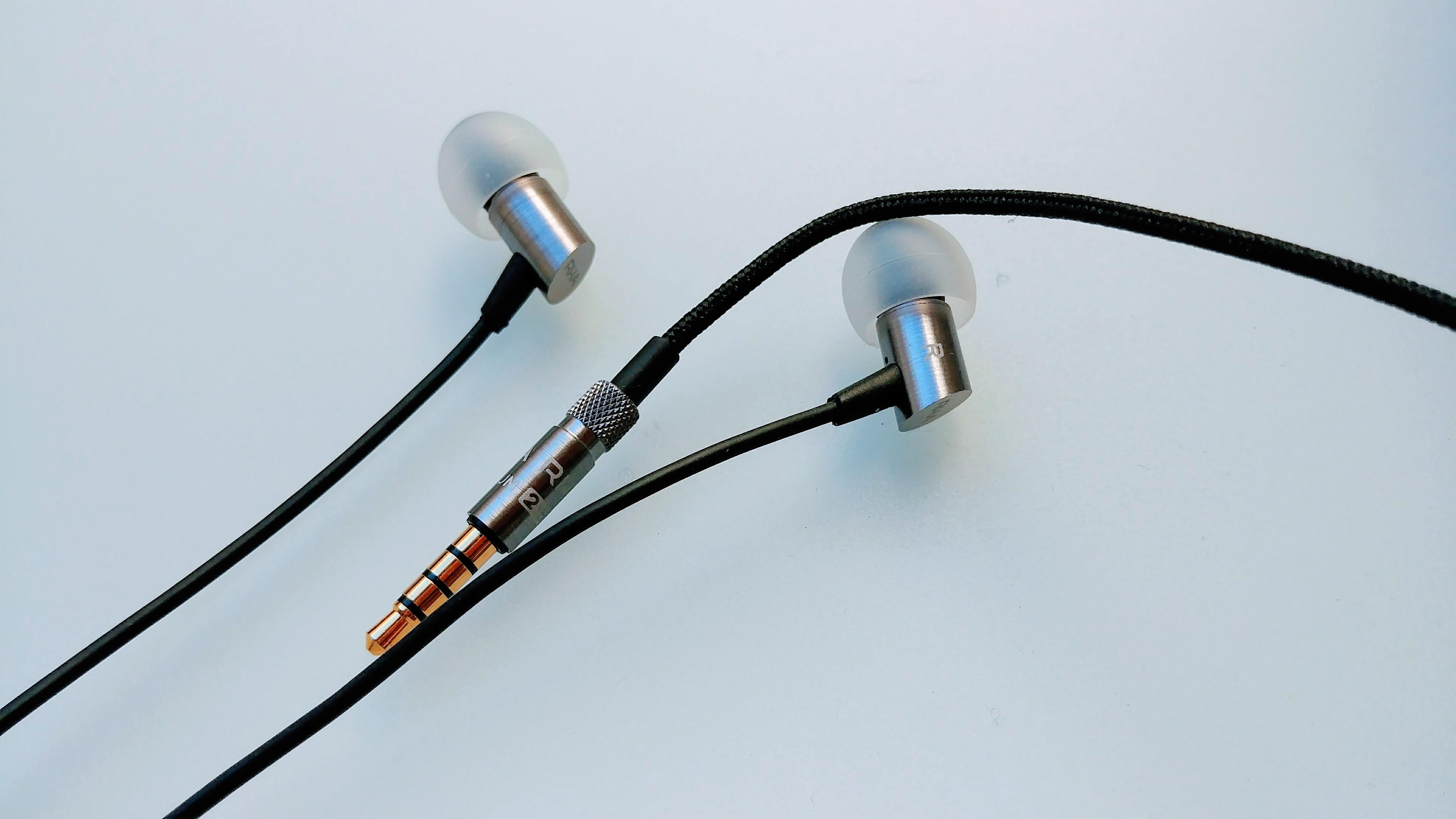 RHA S500u / RHA S500i headphones