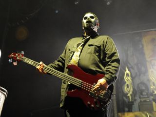 Slipknot announce Paul Gray's replacement for summer shows ...