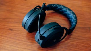 Corsair HS70 Wireless Gaming Headset review