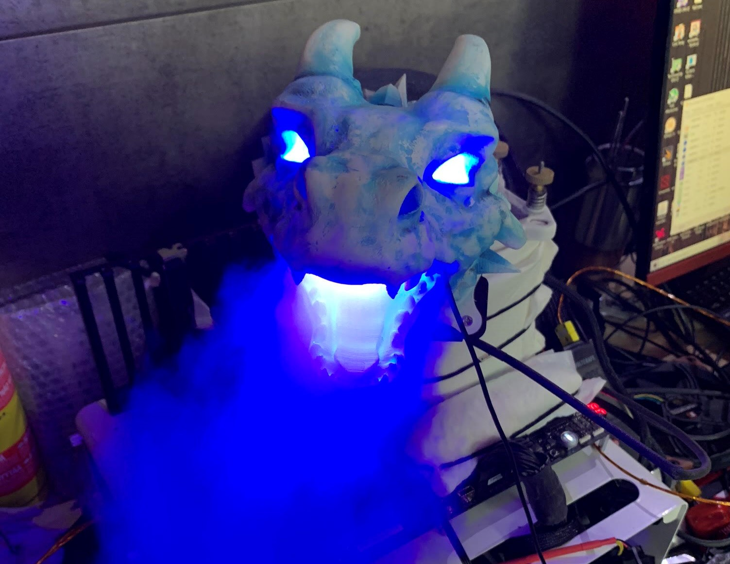 Overclocker Uses LN2-Breathing Dragon, AMD Ryzen to Challenge Records
