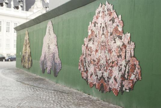 piles street art