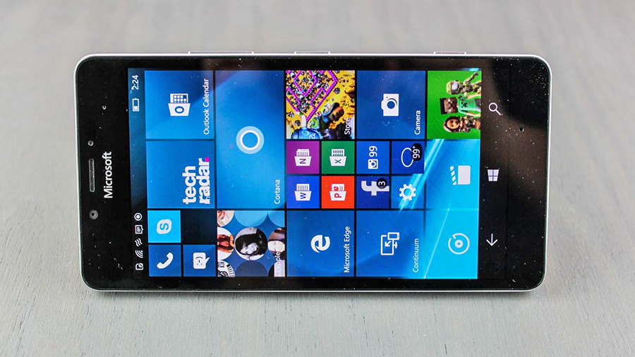 These 13 phones are the only ones getting the Windows 10 Creators Update