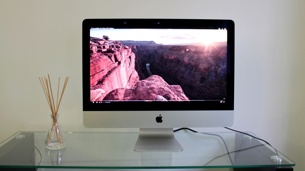 apple imac with 4k retina display 21 5 inch late 2015 review techradar. Black Bedroom Furniture Sets. Home Design Ideas
