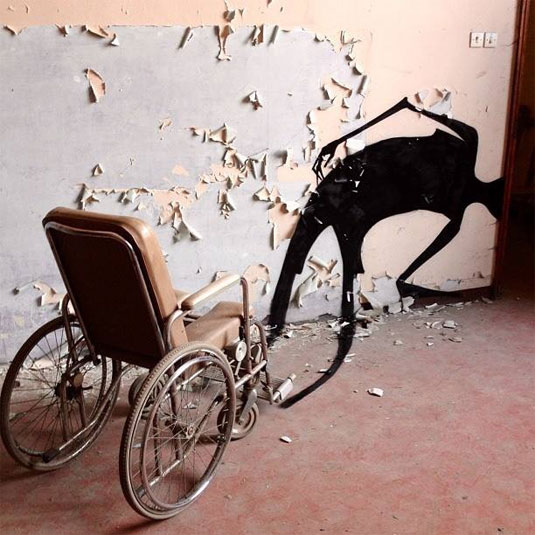 1000 shadows street art