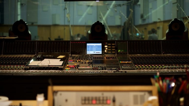 B&W and Abbey Road Studios extend partnership to focus on in-car audio