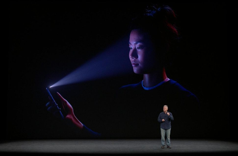 Apple says claim of reduced iPhone X Face ID accuracy is 'completely false'