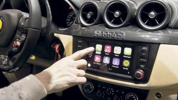 Apple CarPlay in Ferrari FF