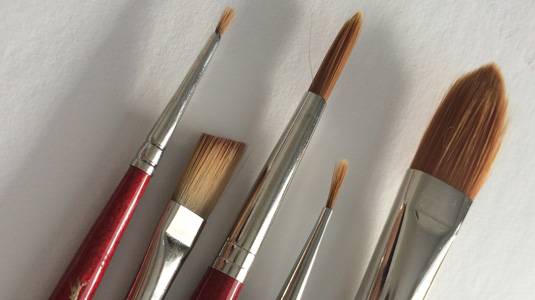 How to paint with gouache: brushes