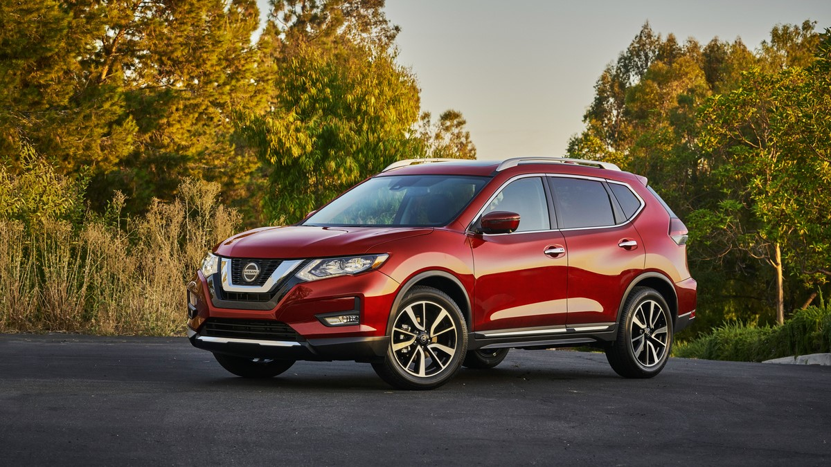 The 4x4 dashboard display on the 2020 Nissan Rogue shows how automation works