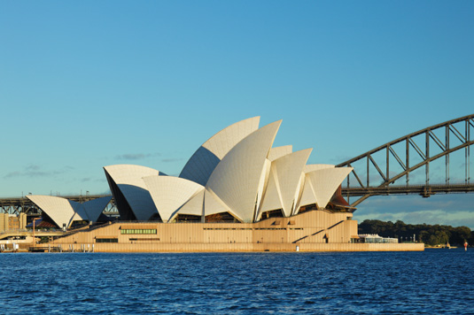 Famous buildings: Sydney Opera House