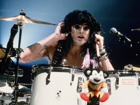 Tommy lee motley crue drumming