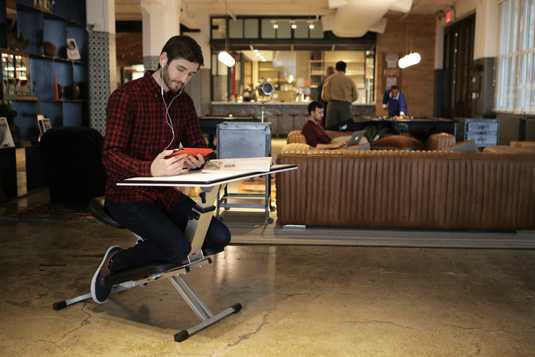 Portable desk: The Edge