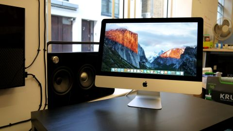 Apple imac 21 5 inch late 2015 review techradar - Computer desk for imac inch ...