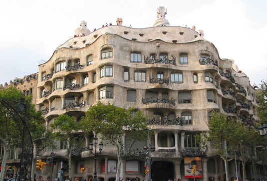 Fanous buildings: La Pedrera in Barcelona