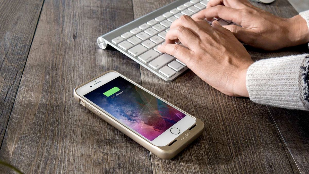 how to wirelessly charge your iphone 7 techradar. Black Bedroom Furniture Sets. Home Design Ideas