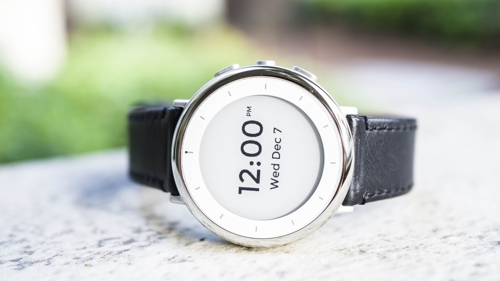 Alphabet's life sciences branch made a sleek smartwatch for robust health tracking