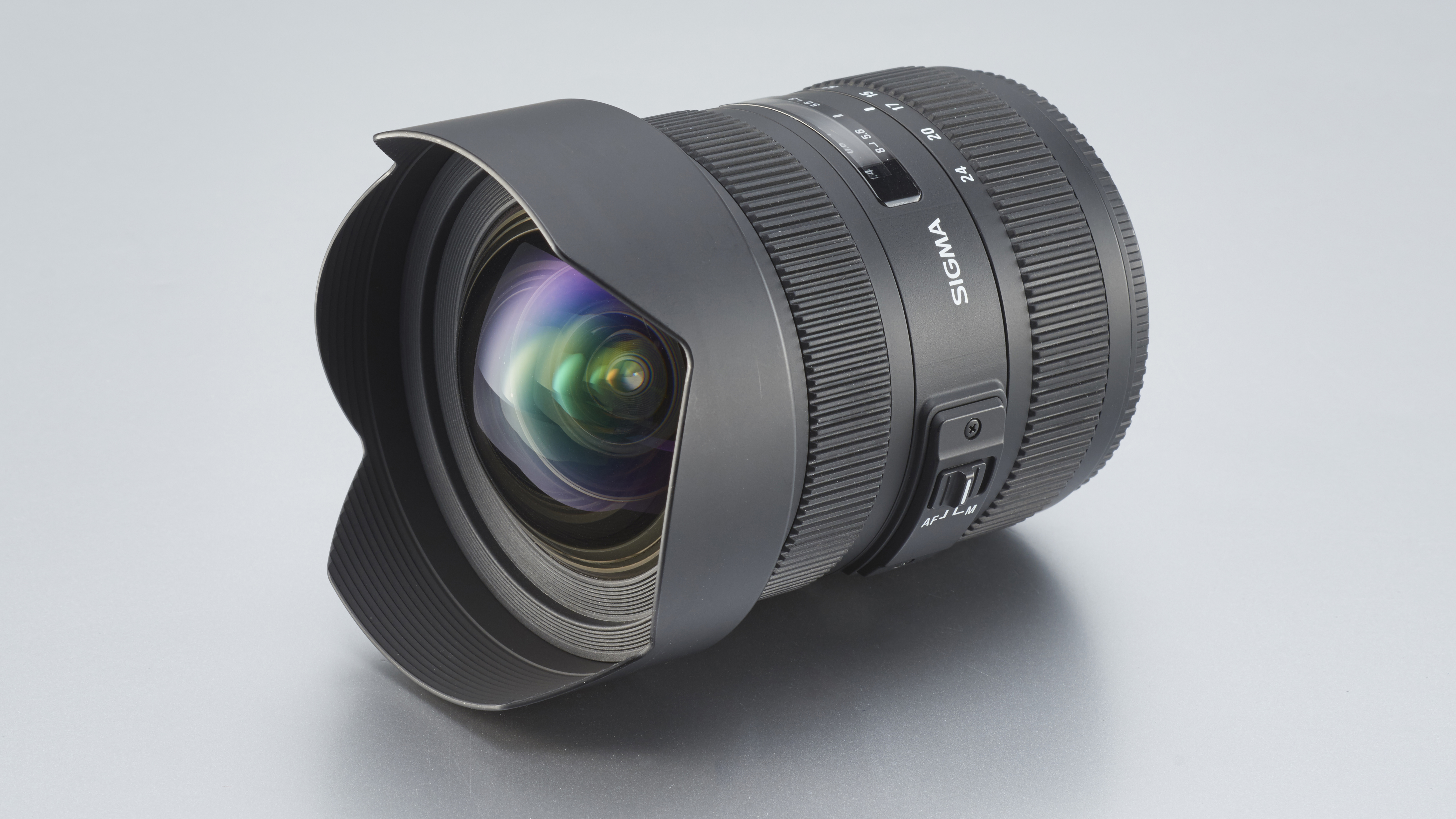 Tamron 15-30mm f/2.8 DI VC USD