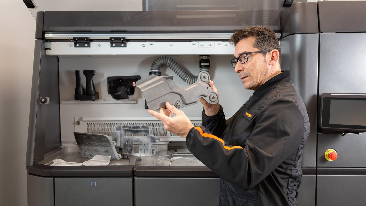 HP plans to fight Covid-19 with thousands of 3D printers