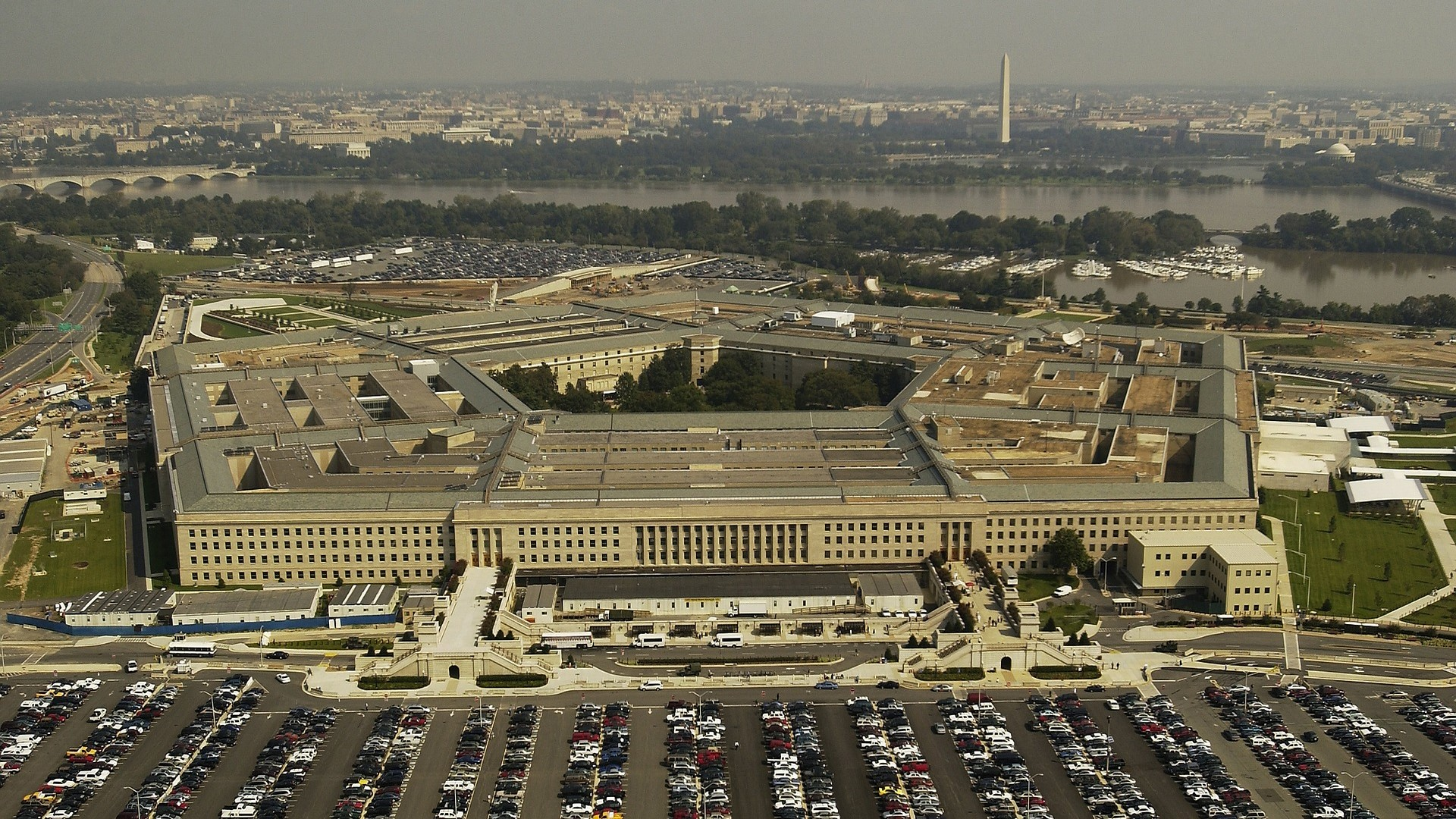Amazon and Microsoft to face off for Pentagon cloud contract 3