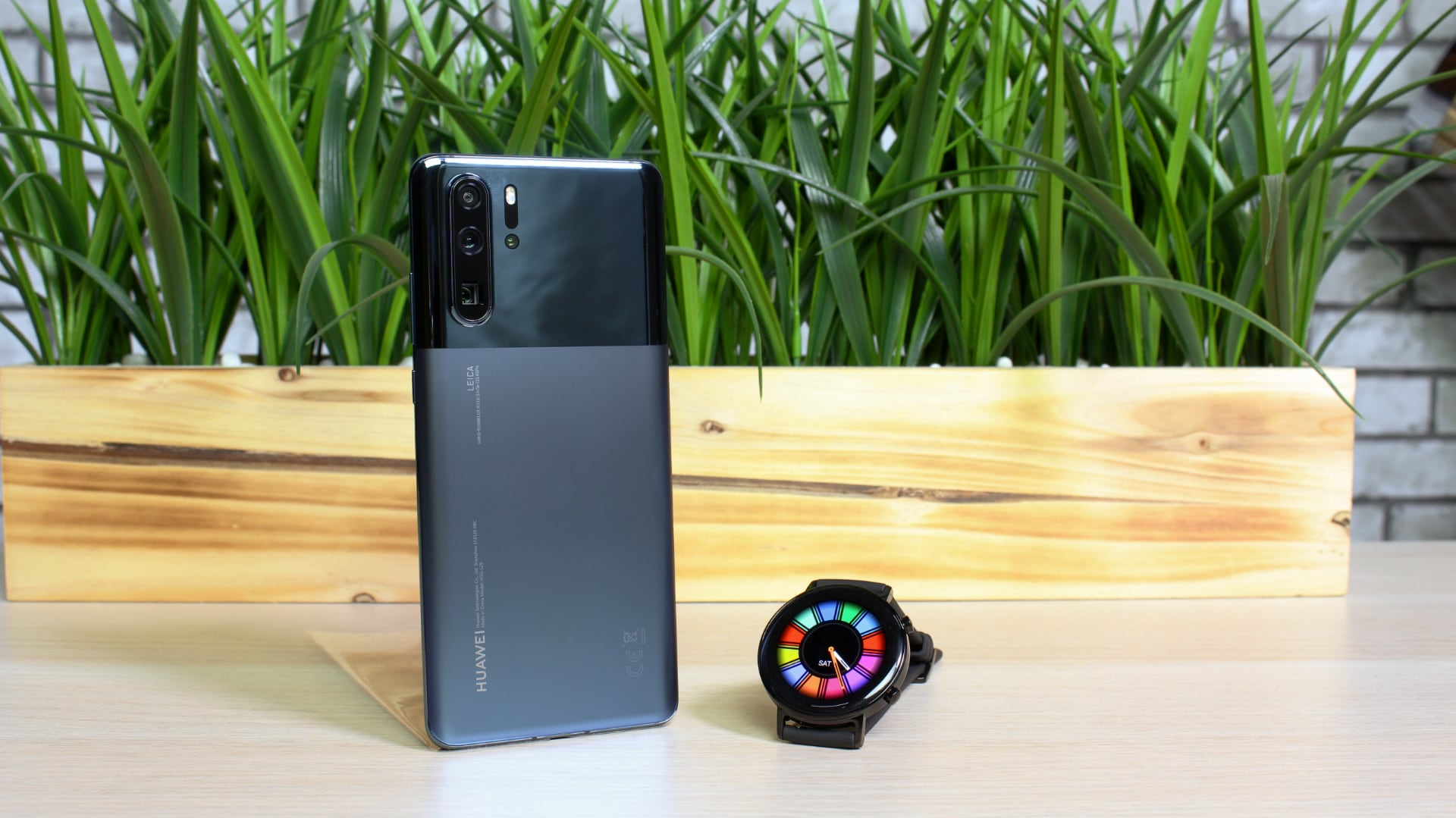 Huawei P30 Pro in new redefined aesthetics and elegant Watch GT 42mm with borderless display are coming to the UAE, and they are as slick as they are functional