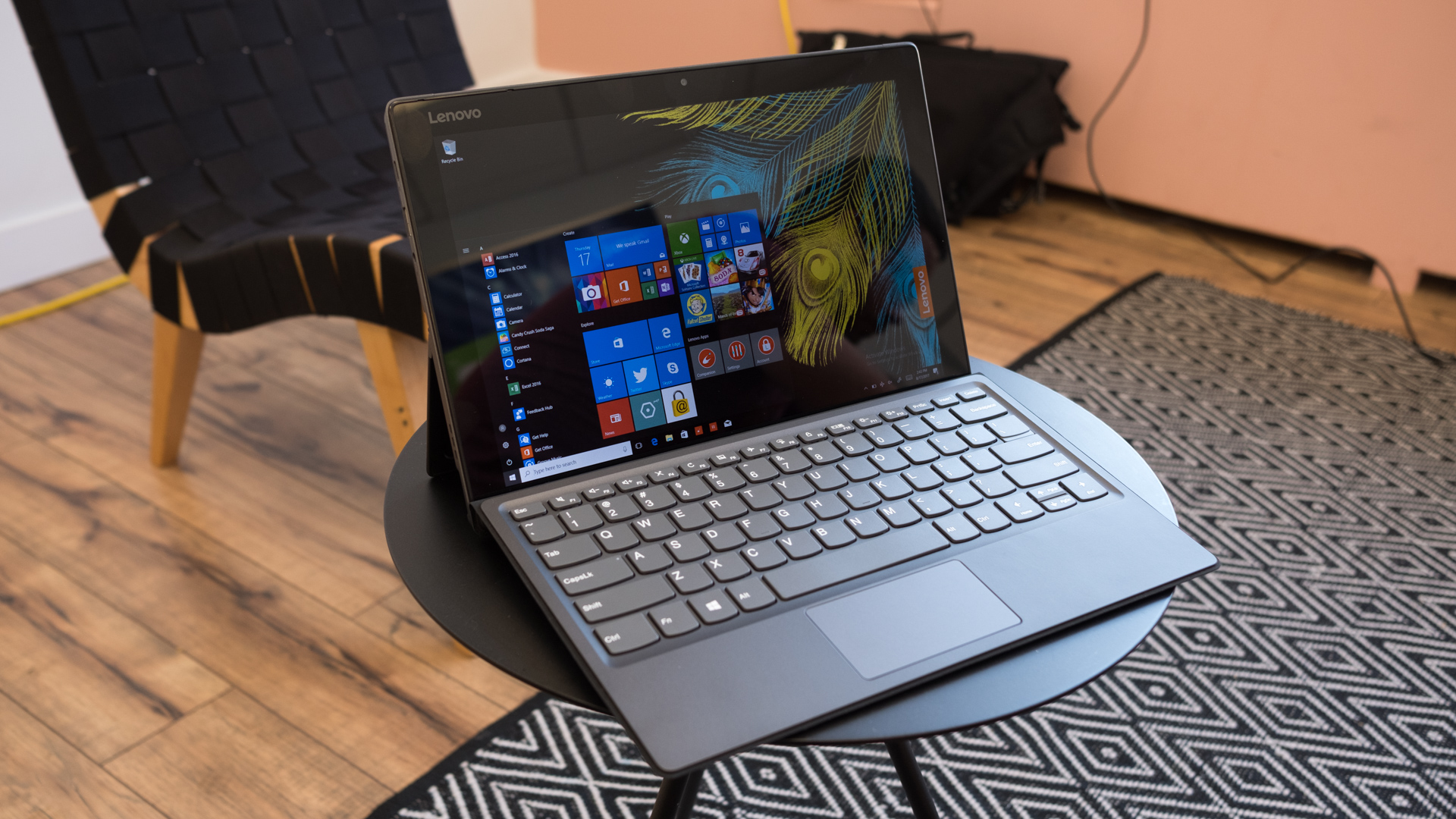 Lenovo Yoga 920 Gets A Sleeker Body And Boost From 8th Gen Intel Cpus Iblogiblog