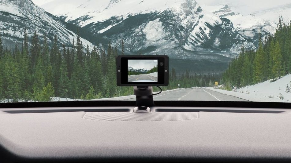 This new dashcam lets you yell at intruders breaking into your car in real time