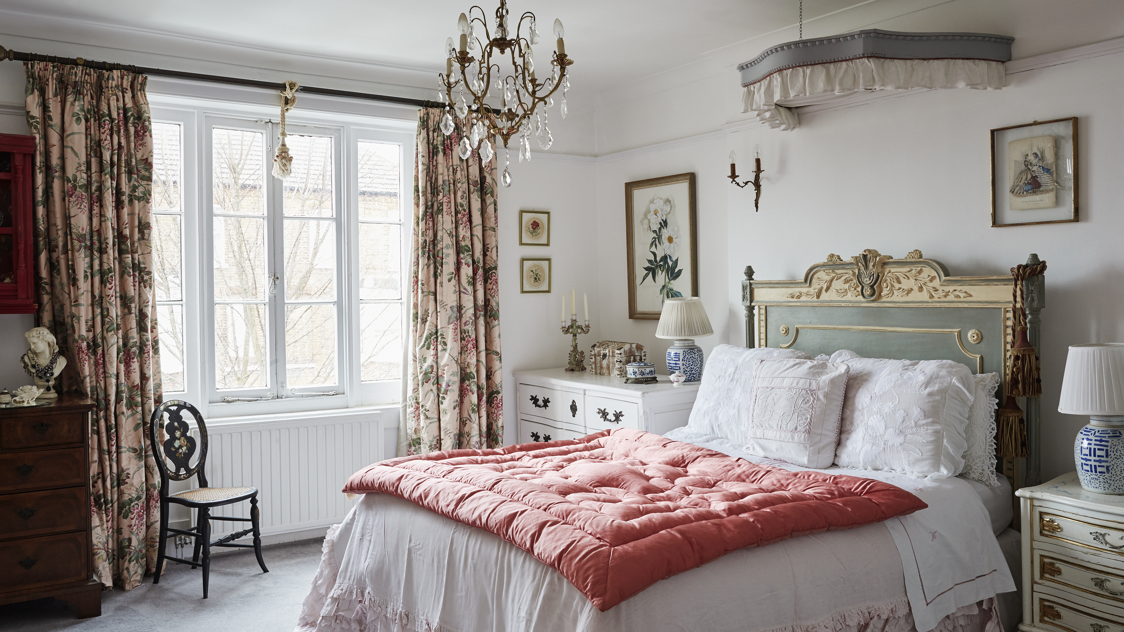 14 Vintage Bedroom Ideas For Your Country Style Boudoir Real Homes