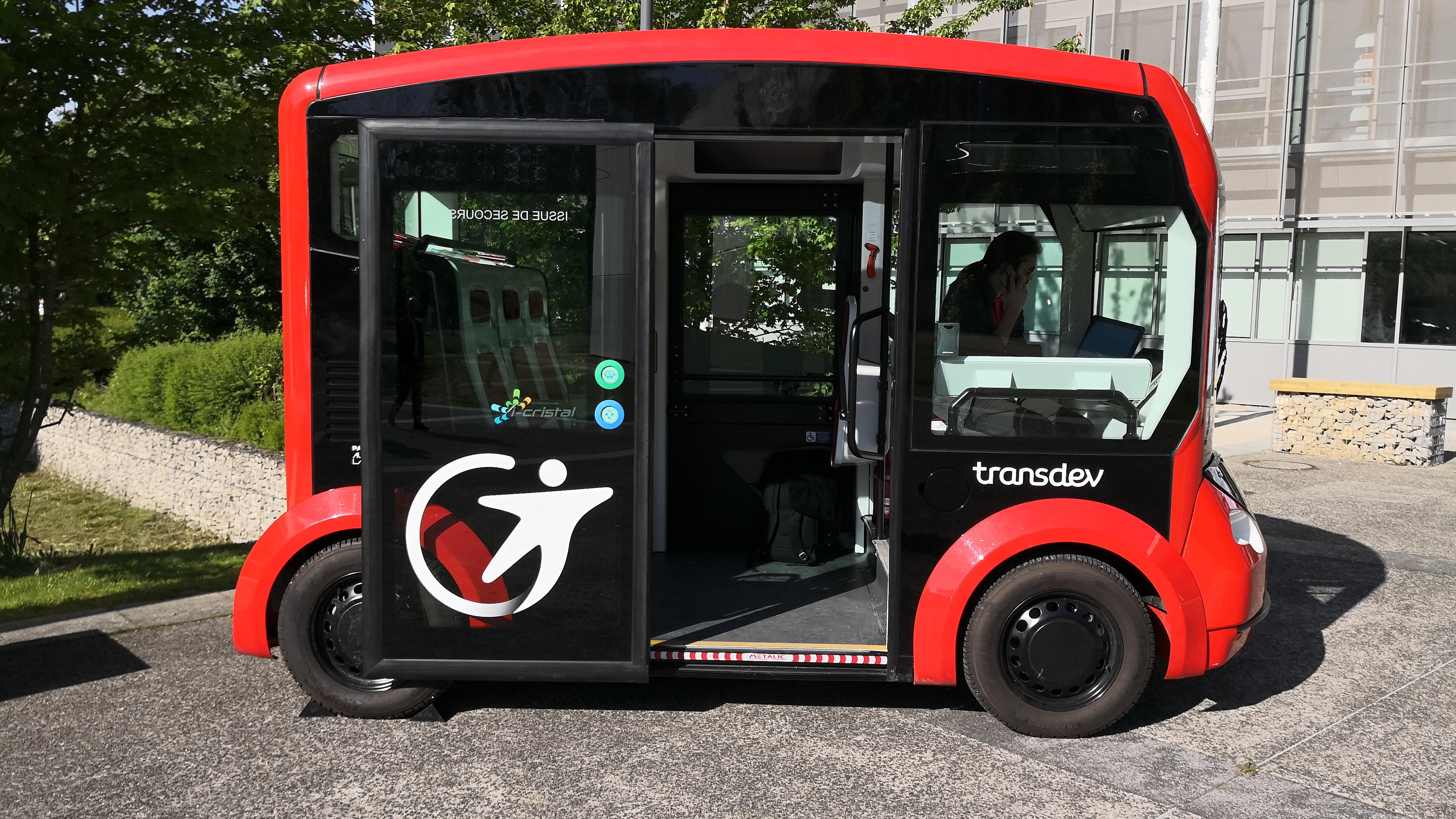 i-Cristal autonomous shuttle bus