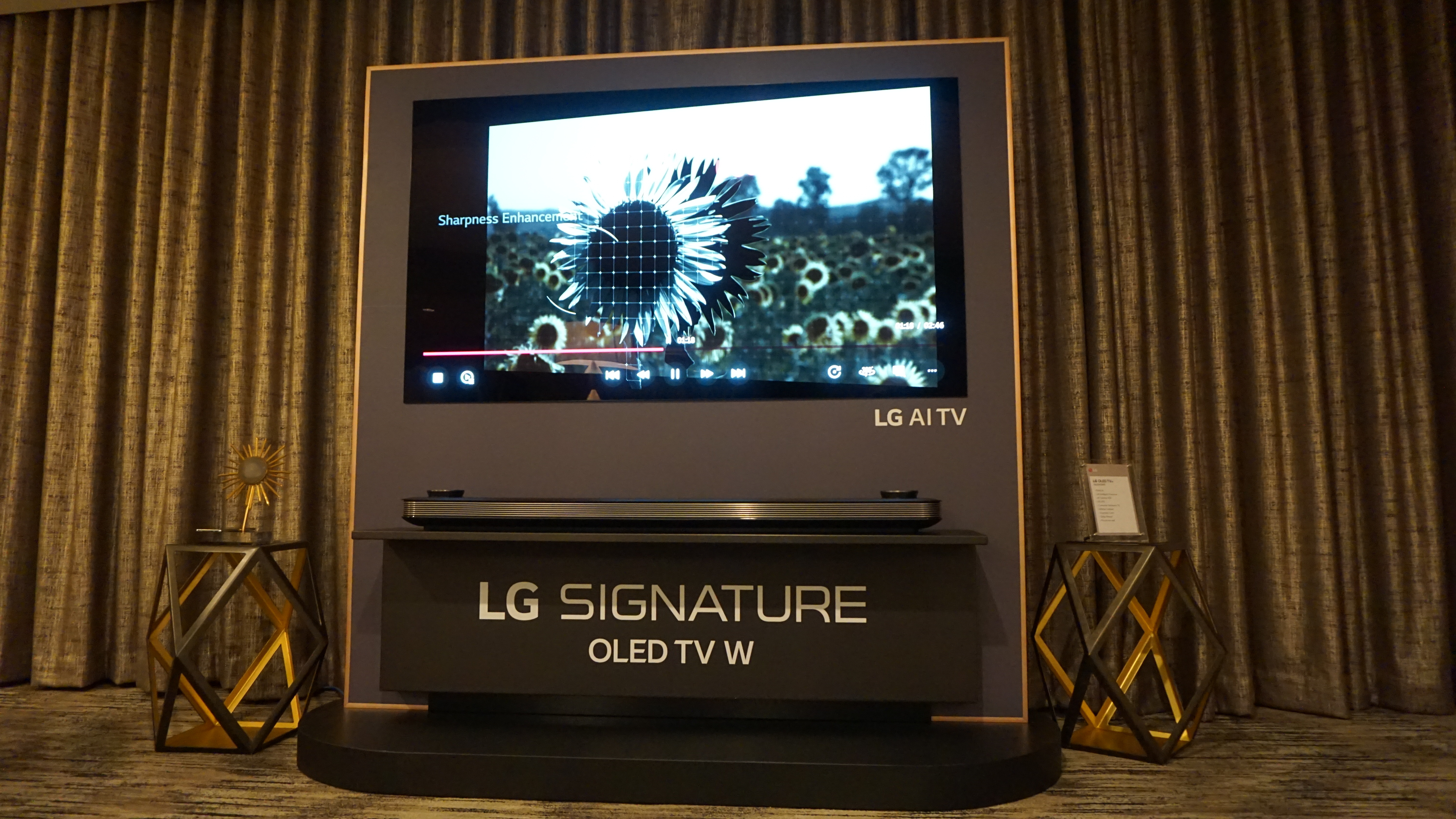 lg oled w8 signature series. Black Bedroom Furniture Sets. Home Design Ideas