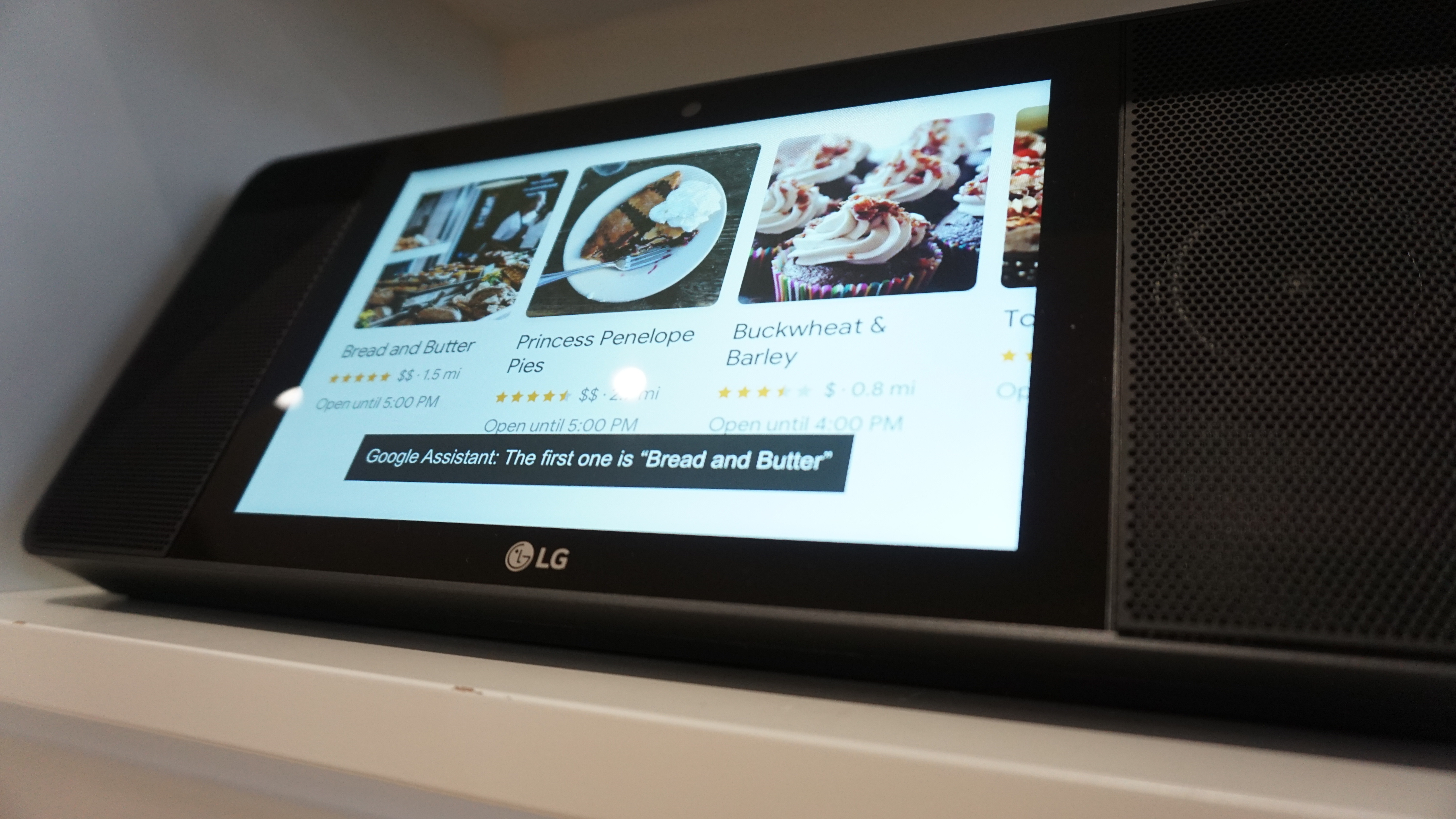LG WK9 Wireless Speaker with Google Assistant