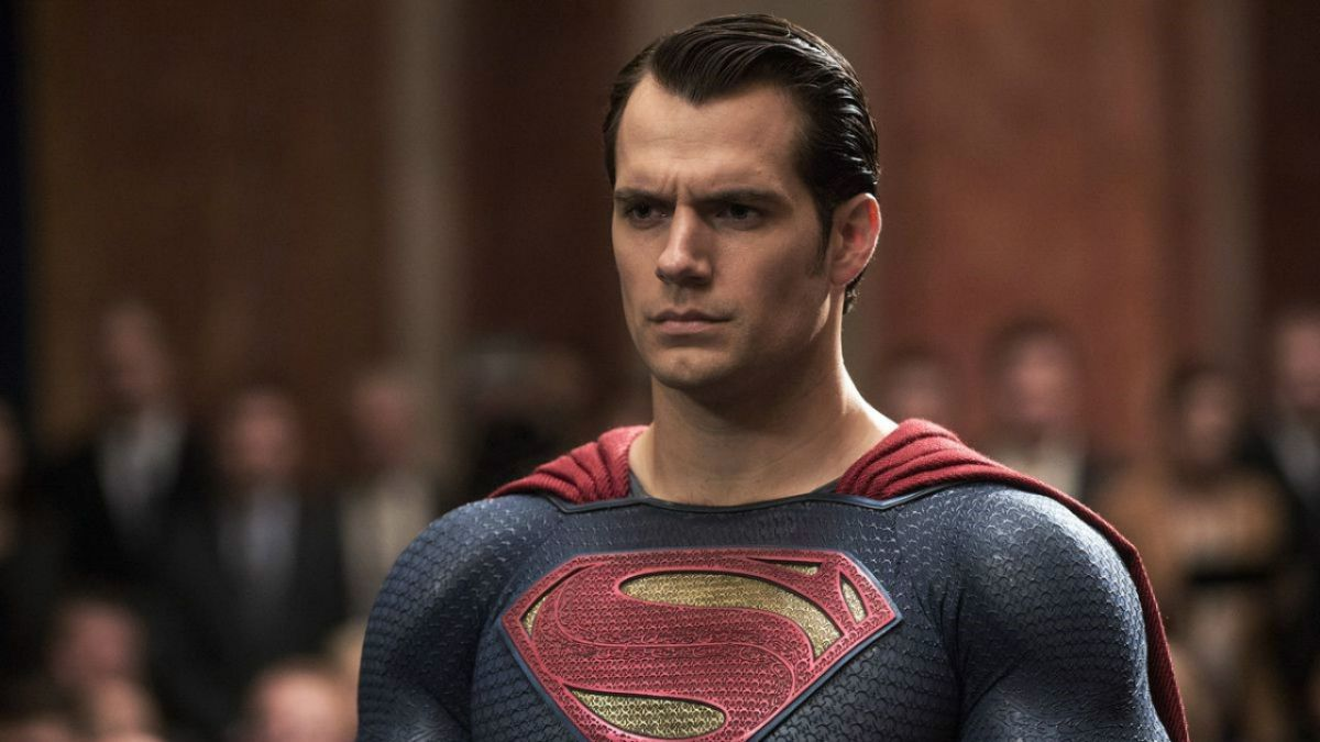 Justice League had to digitally remove Henry Cavill's 'tache because another film wouldn't let him shave it off